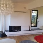 cheminée sur mesure, avec foyer bois Kalfire W65, plateau acier 15 mm cirée, structure placoflamme 15 mm, pinture blanche